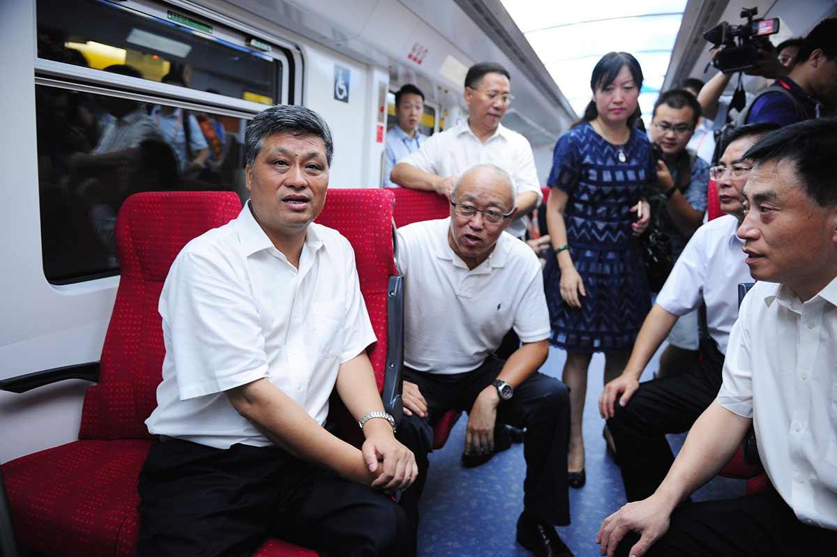 深圳地鐵11號線開通試運營