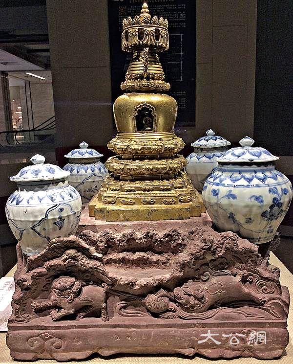 明代喇嘛塔供奉鄭和遺骨
