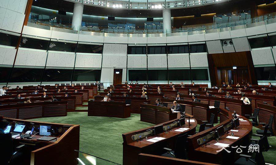 立法會否決打擊「假難民」的無約束力議案