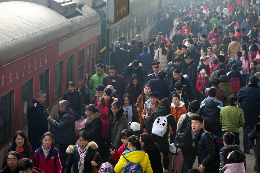 中國鐵路迎來元旦小長假返程客流高峰