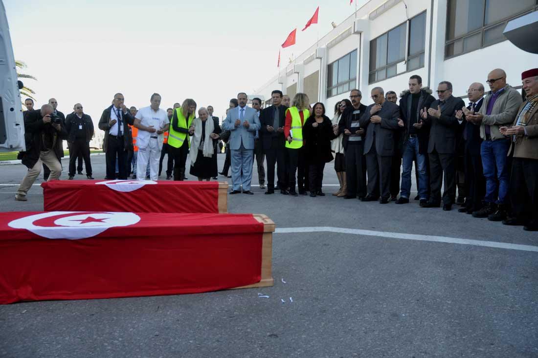 土恐襲事件突尼斯遇難者遺體運抵回國