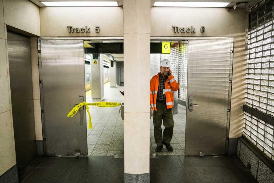紐約一起列車出軌事故致103人受傷