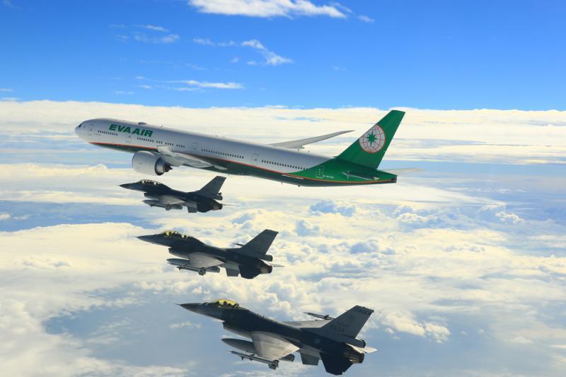 播改f�j_图:蔡英文专机由4架f-16战斗机升空伴随护航/中央社
