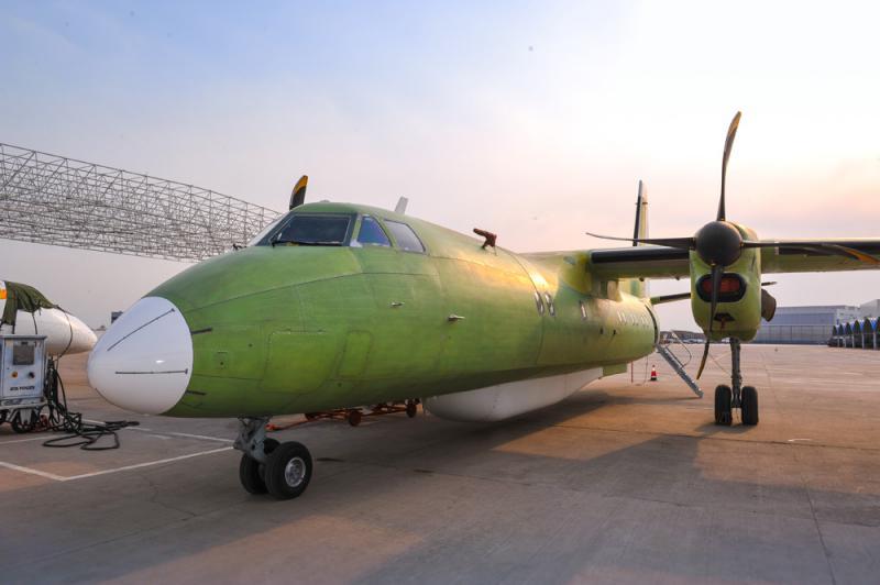 研制的新舟60遥感飞机日前在西安阎良机场成功首飞