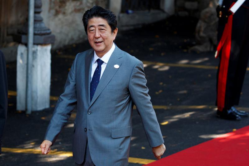 小泉纯一郎批安倍_迄今两度组阁的安倍,已超越於2006年卸任的前首相小泉纯一郎,成为日本
