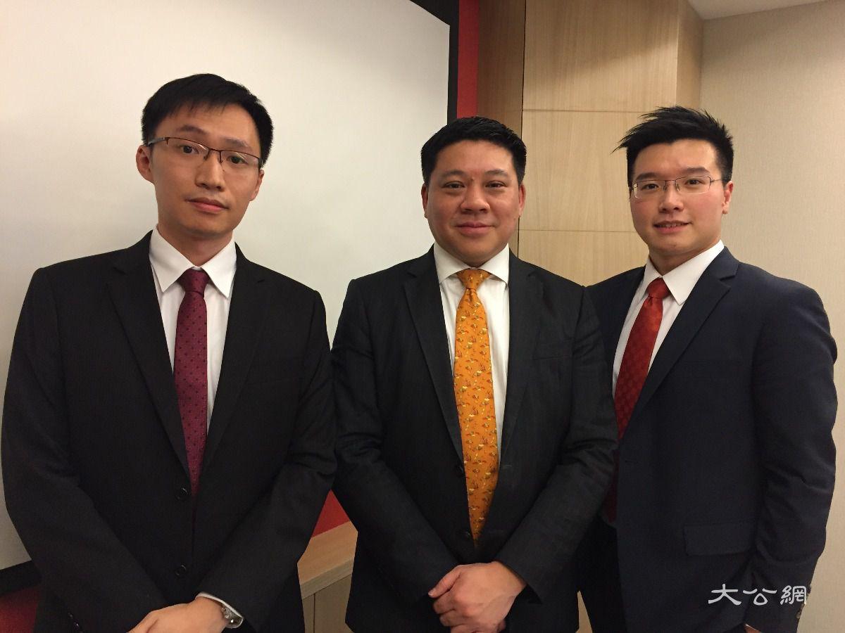 (左起)晋裕投资分析师黄子燊,投资总监林伟雄,投资策略师黄耀宗图片