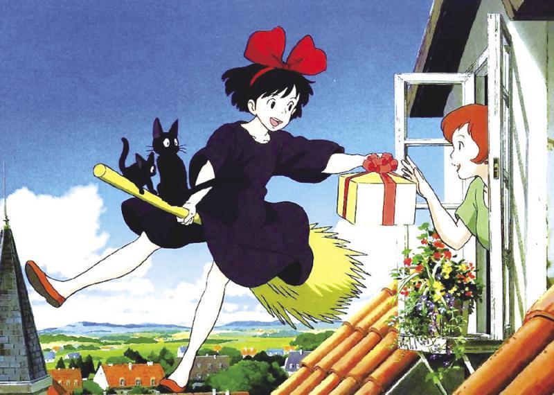 后来我长大了,即使当了妈妈,我也和女儿一起看宫崎骏的动画电影及相关