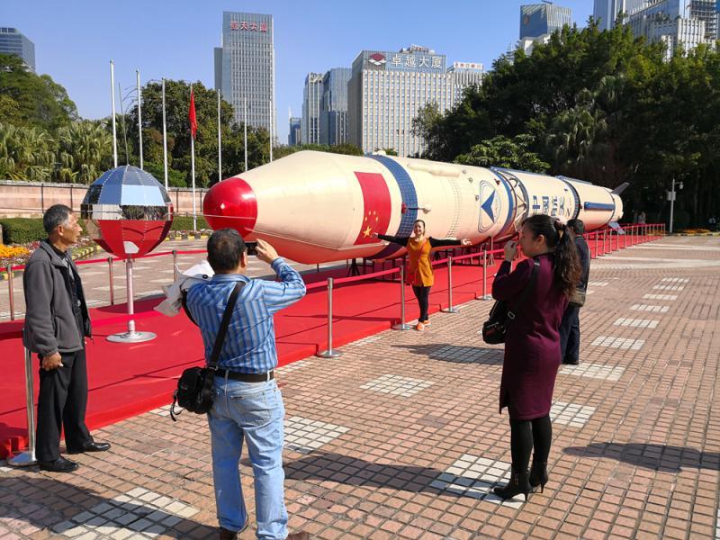 澳门国际在线娱乐:�L征一�火箭原型深圳亮相