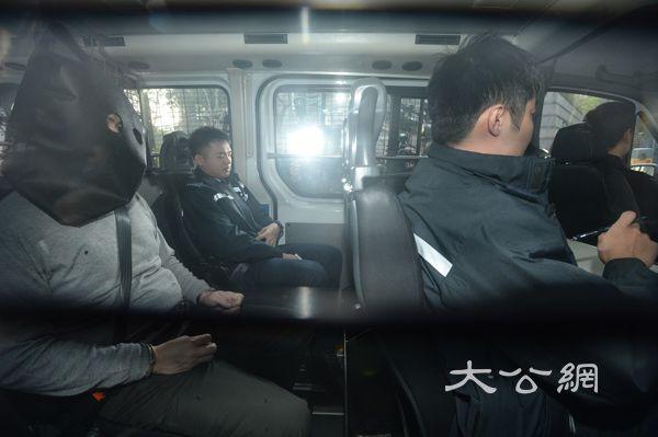 时时彩app源码:港巴�� 肇事司�C今提堂_申保�被拒