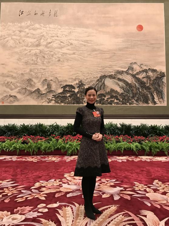 新澳门金沙网上娱乐:�曼琪:�W���歌�Y�x是香港人���M法律�任