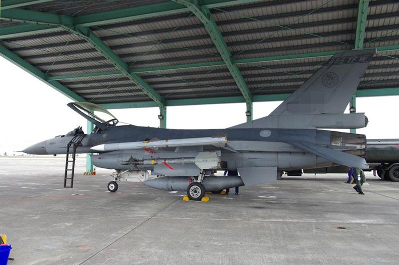 臺軍演意外不斷 今又傳一架F-16失聯