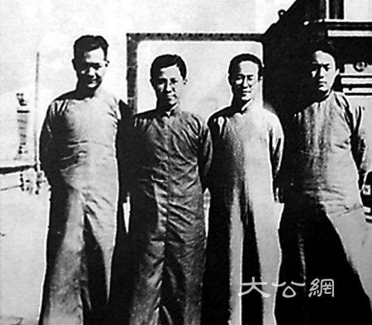 抗战时期香港的四大副刊\赵稀方