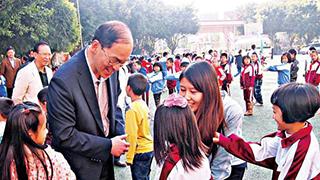 前民政事务局局长曾德成:读中史培养批判思维
