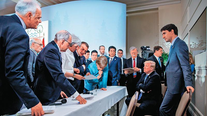 """""""上合""""会议大放异彩 G7峰会吵作一团"""
