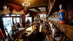 世界杯跟酒吧才配对 球迷在酒吧观看揭幕战