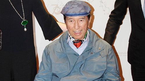 96岁澳门赌王何鸿燊正式退休 英媒回顾其发家史