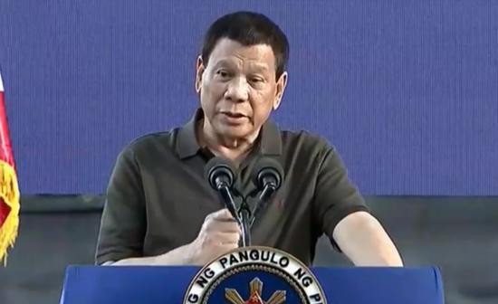 """菲总统:若和中国开战会""""玩完"""" 合作才会有好事"""