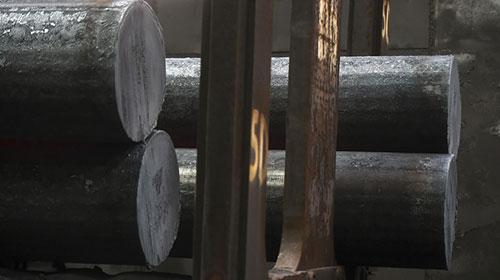 英媒:加征关税令美国钢材价格暴涨 美政府尴尬