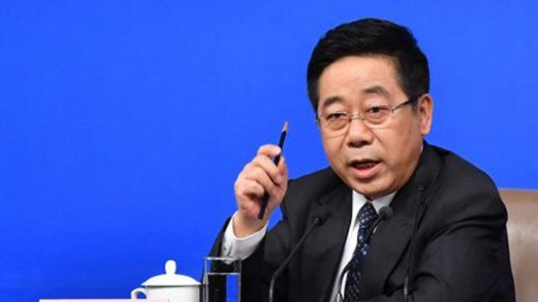 """教育部部长:中国""""玩命的中学、快乐的大学""""现象应扭转"""