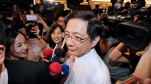 台湾作家揭露蔡英文为何怕管中闵任台大校长