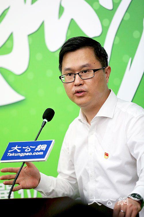 """连庆锋:新能源汽车势不可挡 北汽推""""擎天柱""""计划建3000座换电站"""