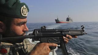 伊朗威胁封锁霍尔木兹海峡 全球原油供应或受影响