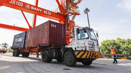 专家:500亿美元贸易战对中国影响有限 基本被市场消化