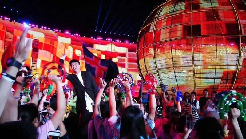 重庆时时彩公式:李克勤亮相央�世界杯�目