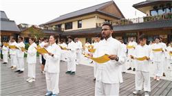 25国大学生聚西安 着汉服学甲骨文体验中华文化