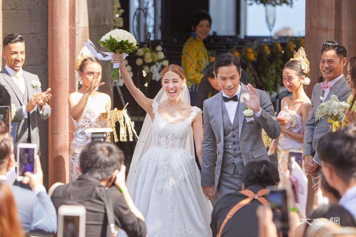 北京pk赛车10:�嘉�f�I唱《一千���意》成功娶得�n老婆��P琳