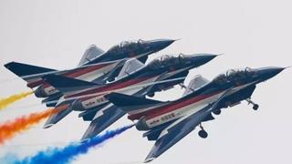 中国空军八一飞行表演队今日赴俄进行飞行表演任务
