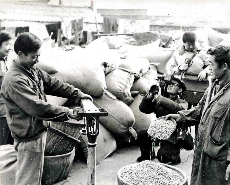 改革开放40年 | 第一商贩年广久