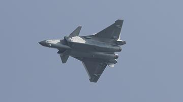 中国歼-20隐身战机已换装国产发动机试飞