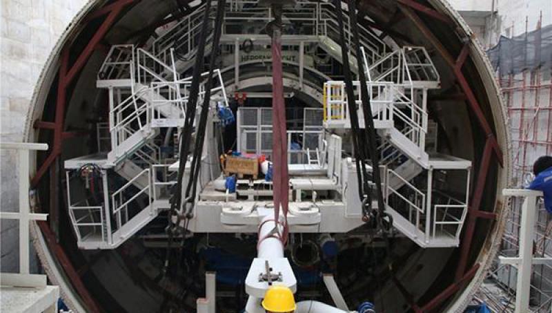 揭世纪工程内幕|16年安全凿隧闹市_香港骄傲