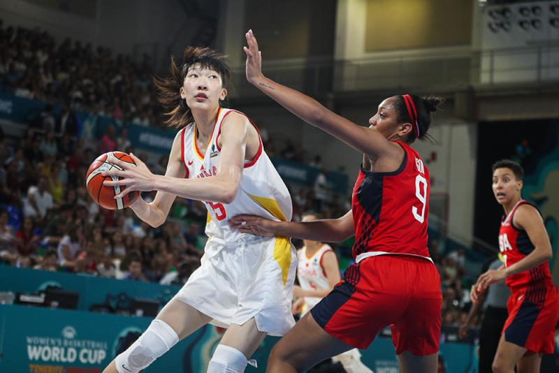 中国女篮负美国仍出线