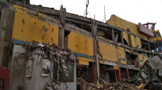 印尼28日7.7级地震及引发的海啸已造成48人死亡