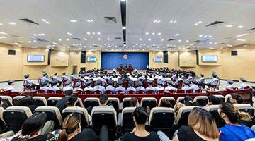 深圳涉黑案一审开庭 80名被告人同堂受审将持续半月