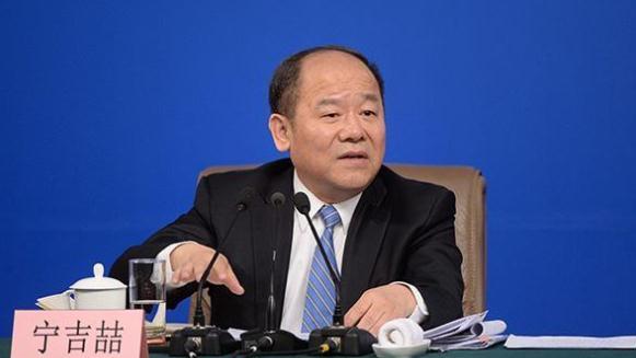發改委副主任寧吉喆:中國經濟穩中向好態勢不會變