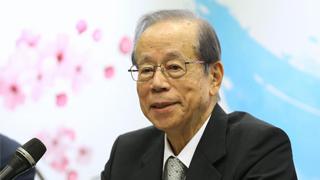 福田康夫:支撑国际秩序的欧美已现疲态 中日须承担起责任