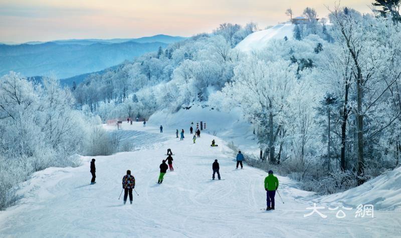年底可乘哈牡客专到亚布力滑雪