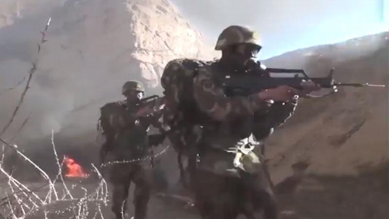 央视曝光10年前反恐视频:战士被刺掉6颗牙后击毙恐怖分子