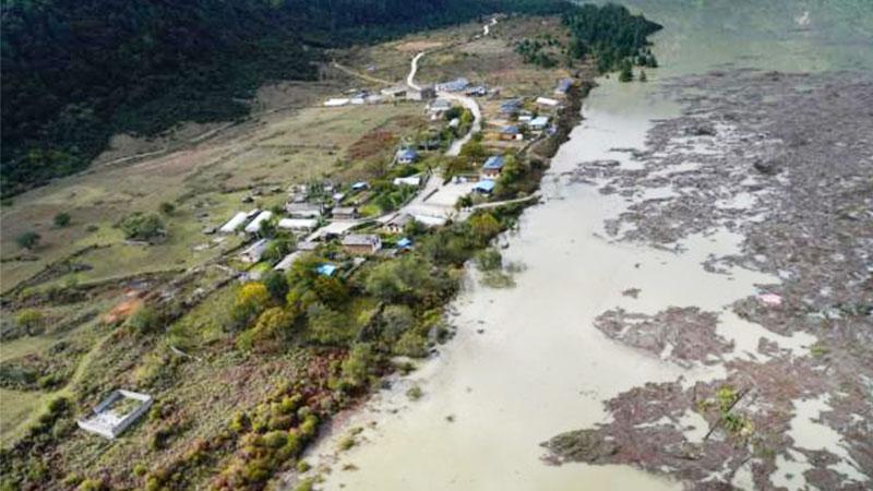 雅鲁藏布江堰塞体水位已下降56米,洪水威胁基本消除