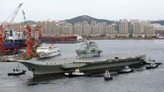 国产航母出港 第三次海试展开