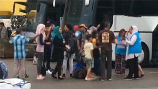收容所安全局势紧张 400多名非法移民被转移至希腊大陆