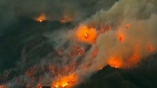 美国加州山火已造成至少82人死亡 66%火势得到控制