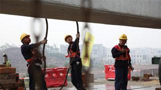 南沙港铁路建设取得重大突破 进入架梁施工阶段
