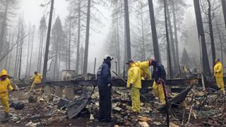 """美国""""坎普""""山火得到完全控制 仍有296人失联"""