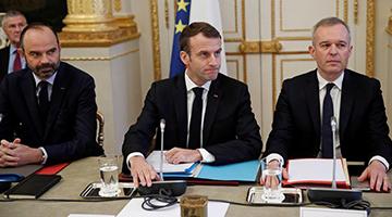 """""""黄背心""""运动:新法国大革命?"""
