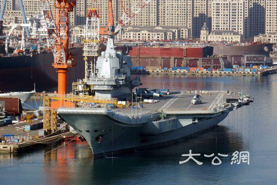 国产航母与辽宁舰启动主机测试