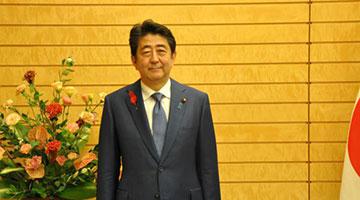 安倍内阁支持率跌至42% 逾半数日本民众反对修宪